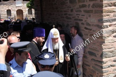 Встреча Патриарха Кирилла в административном центре Афона, 27 мая 2016. Фото Сергея Шумило