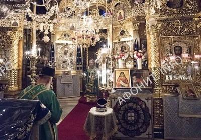 Богослужение в Пантелеимоновом монастыре