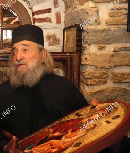 игумен Дохиарского монастыря архимандрит Григорий (Зумис)