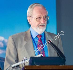 Грэхем Спик (Оксфорд, Великобритания), доктор философии, старший научный сотрудник Оксфордского центра византийских исследований, ответственный секретарь Международного общества «Friends of Mount Athos»