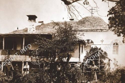 Фотография Ближней Георгиевской келлии времен отца Венедикта. Сегодня почти полностью разрушена