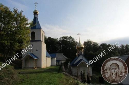 Свято-Троицкий монастырь в Хуст-Городилово, современный вид. Фото Сергея Шумило, октябрь 2015 г.
