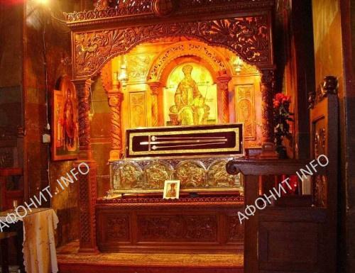 Мощи свт. Григория Даскэла в монастыре Кэлдэрушани
