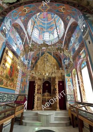 храм святой праведной Еввулы и священномученика Ермолая в Пантелеимоновом монастыре на Афоне