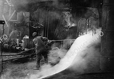 На металургическом заводе в Мариуполе