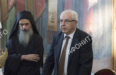 гражданский губернатор Афона Аристос Казмироглу