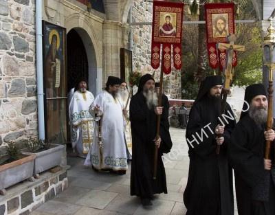 Крестный ход в Пантелеимоновом монастыре на Афоне