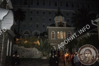 Крестный ход в Русском на Афоне Свято-Пантелеимоновом монастыре
