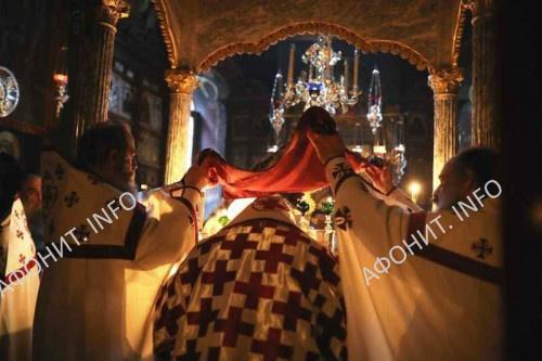 Член Синода Константинопольского Патриархата и Экзарх Западного Крита митрополит Кисамский и Селинский Амфилохий (Андроникакис) на Афоне