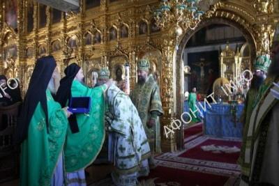 Митрополит Онуфрий в Пантелеимоновом монастыре на Афоне возглавил торжественное богослужение в честь прп. Антония Печерского