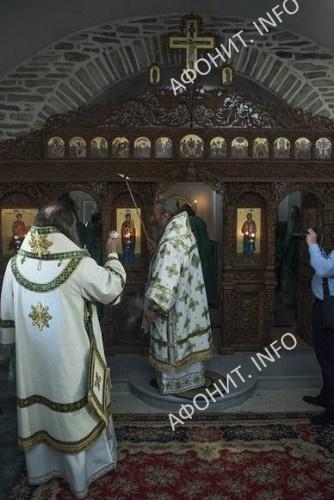В древнерусской обители на Афоне Предстоятель УПЦ освятил пещерный храм в честь преп. Антония Печерского