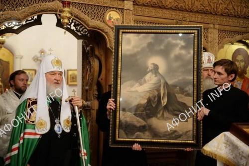 В день Всех Преподобных Русских Святогорцев Патриарх Кирилл возглавил богослужение на Афонском подворье Свято-Пантелеимонова монастыря в Москве