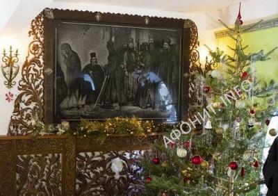 Новогодняя елка в Русском на Афоне Свято-Пантелеимоновом монастыре