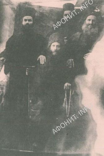 Братия каливы Честнаго Предтечи Святоаннинского скита. Святая Гора Афон