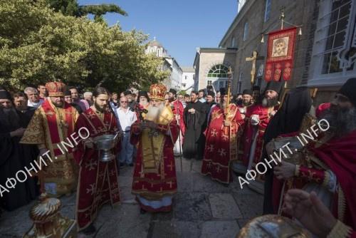 Крестный ход на панигире в Русском на Афоне Пантелеимоновом монастыре, 9 августа 2017 г.