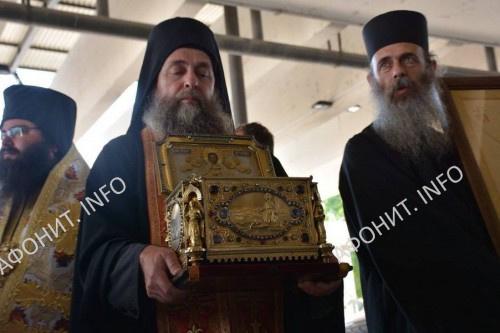 Глава св. влмч. Пантелеимона из Афонского Пантелеимонова монастыря прибыла в Болгарию