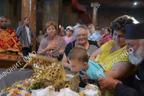 Глава св. влмч. Пантелеимона посетила город Сандански в Болгарии