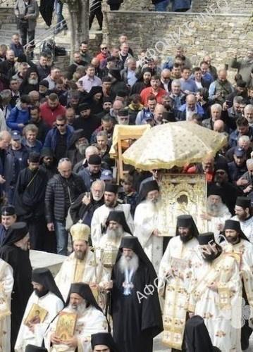 Пасхальный крестный ход с чудотворной иконой Богородицы «Достойно есть» в административном центре Афона