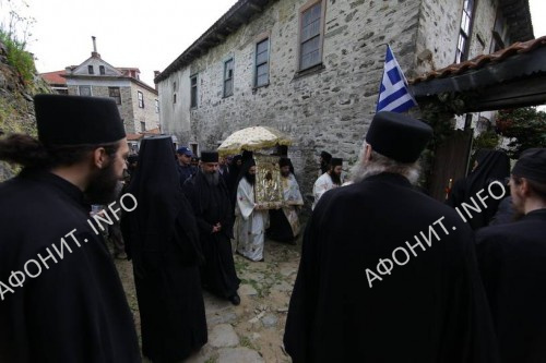 Крестный ход на Афоне с чудотворной иконой «Достойно есть»