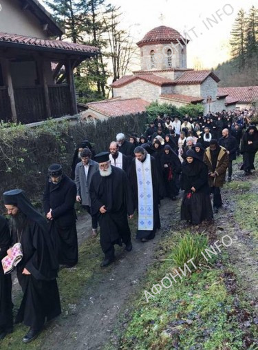 Во Франции состоялось погребение схиархимандрита Плакиды (Дезей)