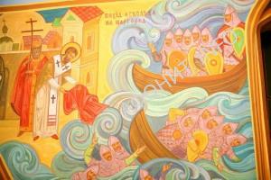 Патриарх Фотий опускает Ризу Божией Матери в море во время осады Константинополя князем Аскольдом Киевским