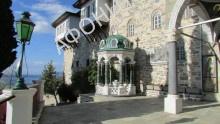 Место явления Светописанного образа Божией Матери у ворот Пантелеимонова монастыря на Афоне