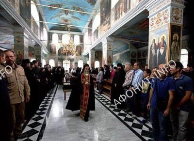Братская трапеза на панигире в Русском на Афоне Пантелеимоновом монастыре, 9 августа 2016 г.