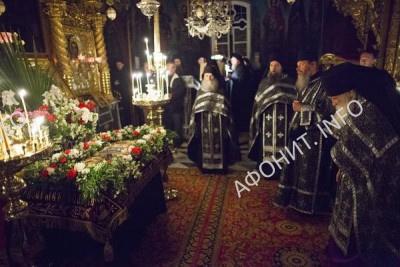 Погребение плащаницы в Русском на Афоне Пантелеимоновом монастыре