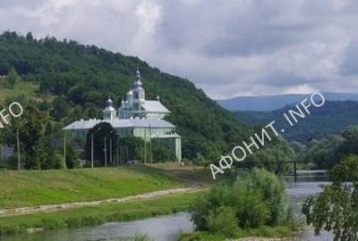 Православный монастырь на Закарпатье