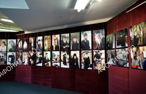 фотовыставка в Храме Христа Спасителя, посвященная 1000-летию русского монашества на Афоне