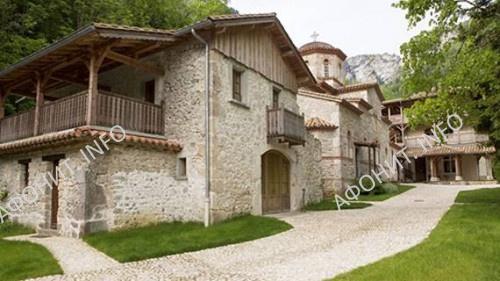Монастырь св.Антония Великого (подворье афонского монастыря Симонопетра) расположен в природном заповеднике