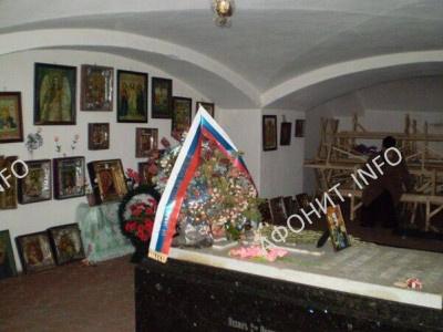 Могила графа Игнатьева в крипте храма в честь Рождества Пресвятой Богородицы в с. Круподеринцы Винницкой области. Современный вид