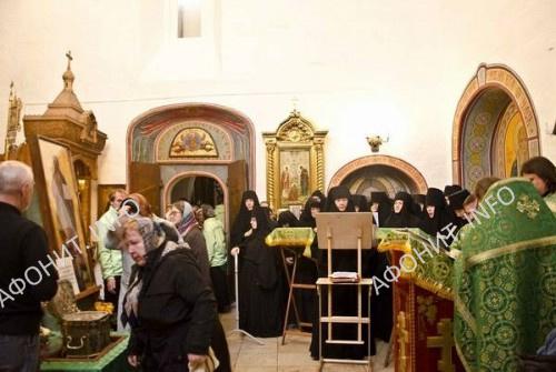 Насельницы женских обителей почтили память  Силуана