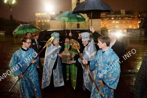 Патриарх Кирилл встретил мощи преподобного Силуана в Храме Христа Спасителя