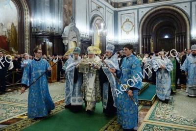 Патриарх Кирилл встретил мощи преподобного Силуана