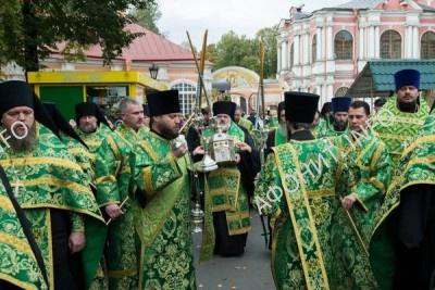 Петербуржцы встретили мощи преподобного Силуана Афонского