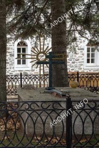 Престол разрушенного храма Старого Нагорного Руссика