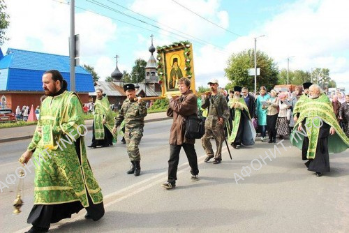 Крестный ход к месту захоронения честных мощей преподобного Стефана Филейского