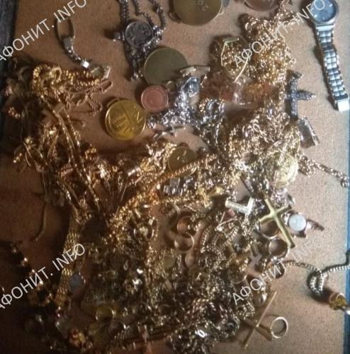 Украденные драгоценности с Иверской иконы Божией Матери