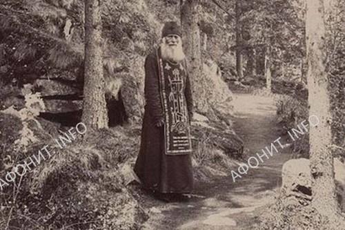 Афонские фотографии, снятые по уникальной технологии, демонстрируют в Белгороде